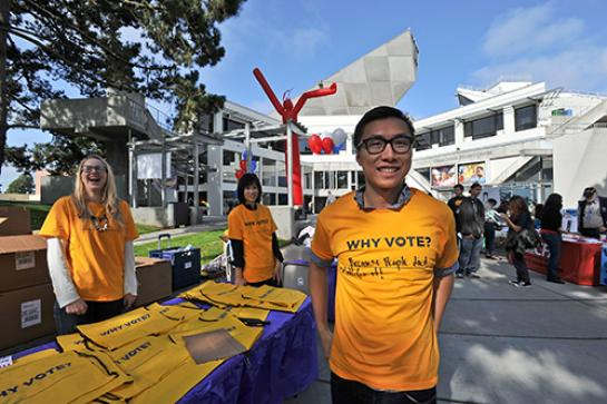 Photo of students at a voter registration drive